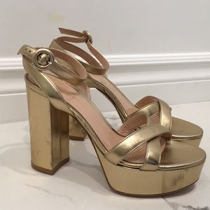 New Gianvito Rossi Gold Pumps Size 35